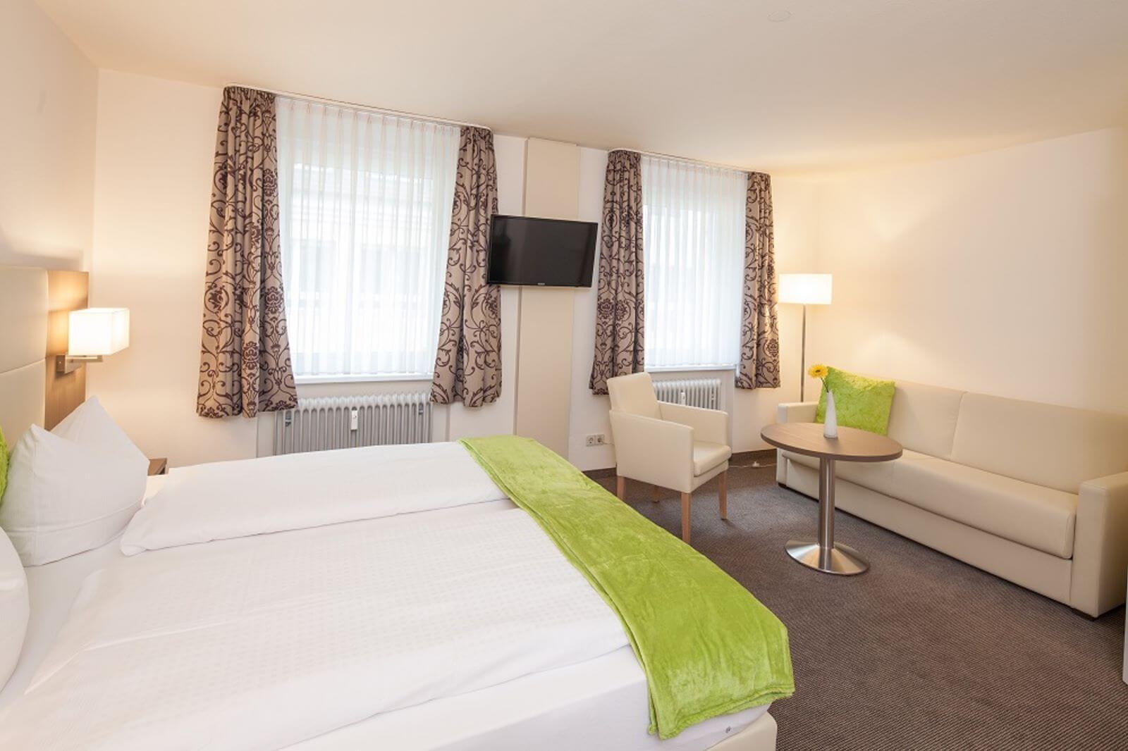 familienzimmer-freibettzimmer-garni-pension-freiburg-cityhotel-innenstadt-guenstig (3)