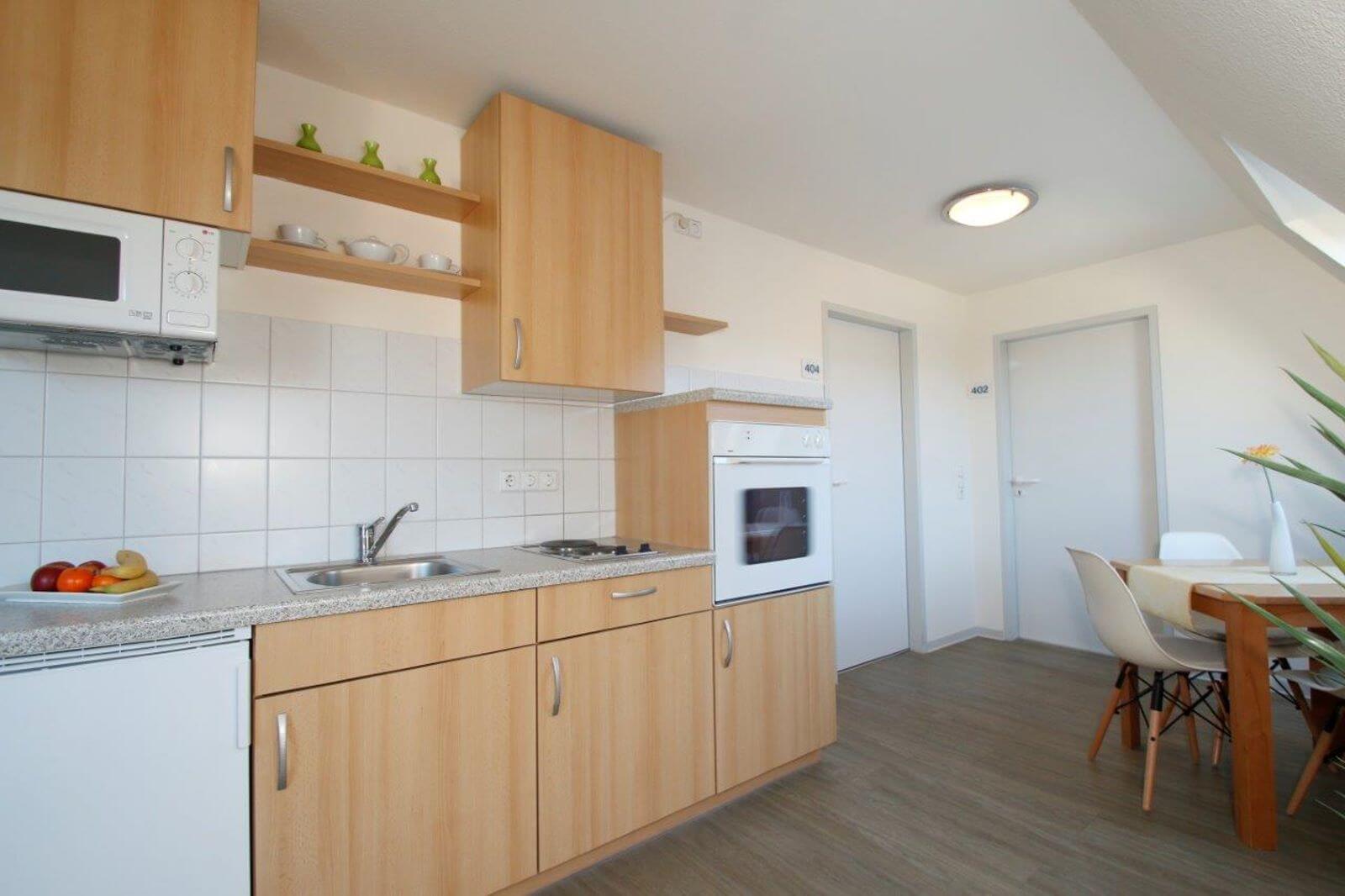 familienzimmer-suite-apartment-hotel-garni-pension-freiburg-cityhotel-innenstadt-guenstig (1)