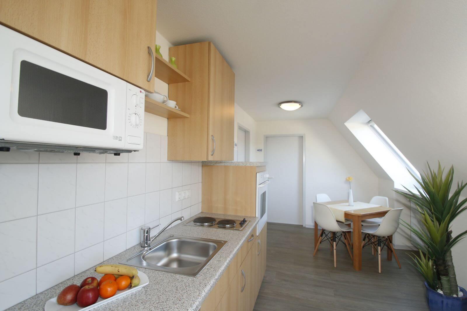 familienzimmer-suite-apartment-hotel-garni-pension-freiburg-cityhotel-innenstadt-guenstig (2)